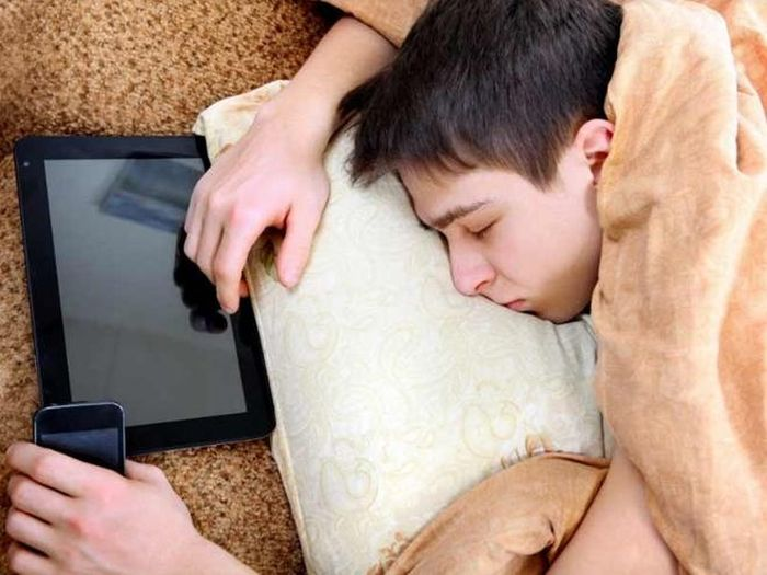 Có một thời đại 'iPhone gối đầu giường'?