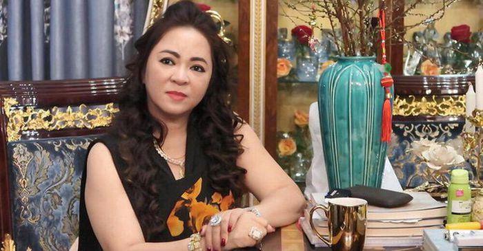 NS Hồng Vân bị công kích, đòi tẩy chay sau vụ mỉa mai bà Phương Hằng: 'Bỏ chữ NSND ra rồi nói chuyện'