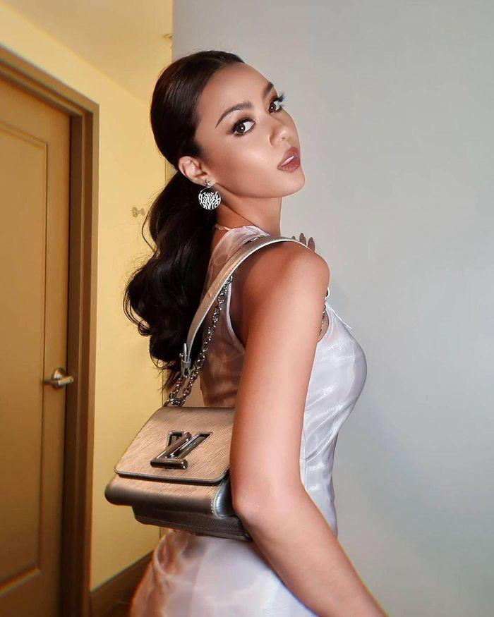 Không phải Khánh Vân, Hoa hậu Thái Lan mới là thí sinh có kho trang phục hoành tráng nhất