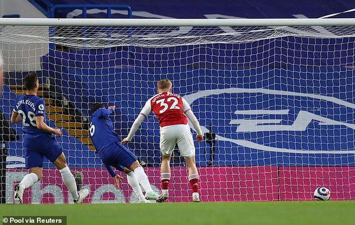 Chelsea trắng tay trước Arsenal ngay trên sân Stamford Bridge
