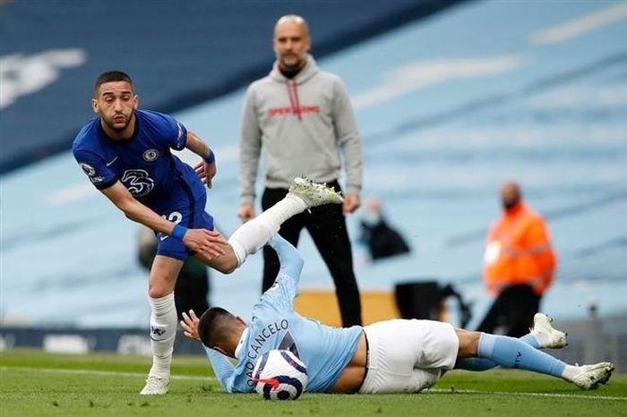 Cuộc đua top 4: Chelsea lâm nguy, Liverpool còn hy vọng