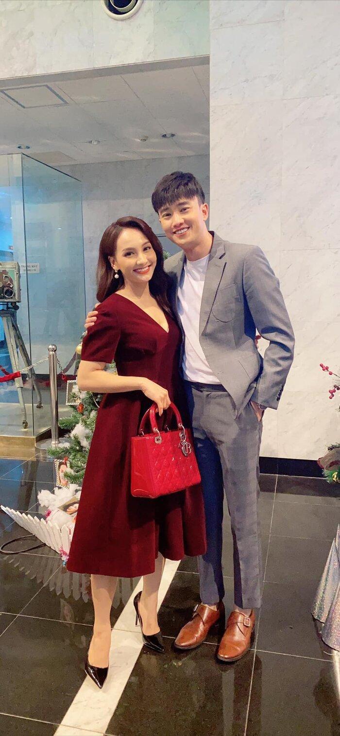 'Người tình màn ảnh' của Bảo Thanh chúc mừng cô 'mẹ tròn con vuông': Mong năm sau cũng mần 1 đứa!