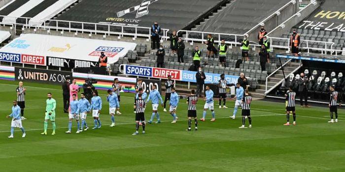 Torres lập hat-trick, Man City mở tiệc bàn thắng mừng chức vô địch
