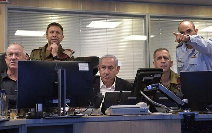 160 máy bay Israel đồng loạt tấn công, dội 450 tên lửa phá hủy các đường hầm của Hamas