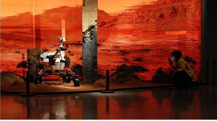 Trung Quốc hạ cánh thành công tàu Tiawen-1 lên bền mặt sao Hỏa