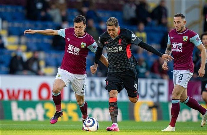 Kết quả Ngoại Hạng Anh: Thắng đậm Burnley, Liverpool trở lại top 4