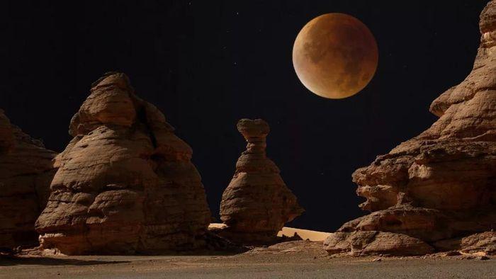 Siêu trăng vào ngày mai, tại sao mặt trăng chuyển sang màu đỏ?