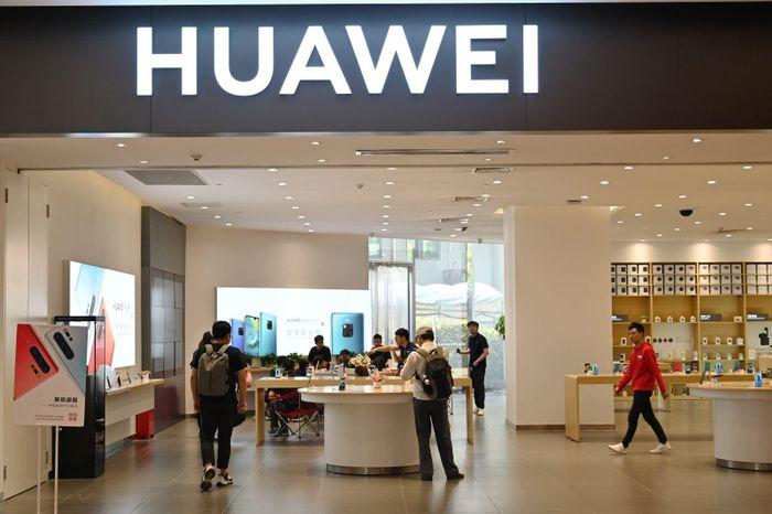Huawei chuẩn bị triển khai hệ điều hành riêng thay thế Android của Google