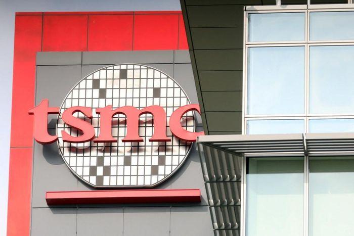 TSMC 'phả hơi nóng vào gáy' Samsung trong cuộc đua sản xuất chip