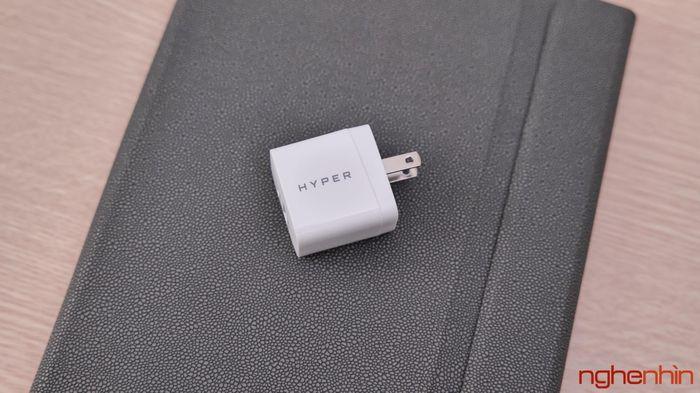 Trên tay củ sạc HyperJuice 20W: nhỏ nhắn, 2 cổng ra tiện lợi