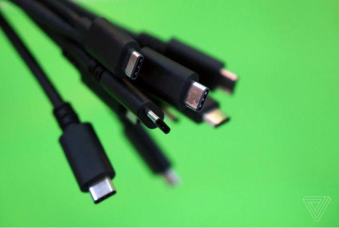 Cáp USB-C được nâng cấp công suất từ 100W lên 240W