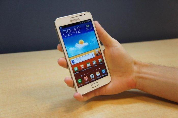 Loạt công nghệ màn hình giúp Samsung dẫn dắt thị trường smartphone