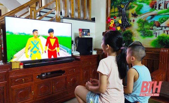 Bảo vệ trẻ em trước 'ma trận' video nhảm nhí trên mạng