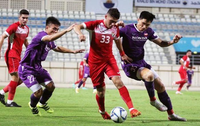 Đoàn Văn Hậu trở lại, HLV Park Hang Seo vơi bớt nỗi lo hàng thủ