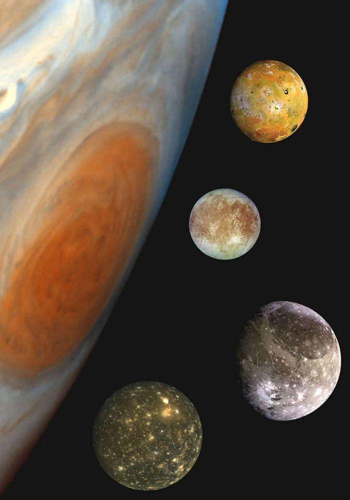 Tàu vũ trụ NASA lần đầu tiên đi qua Mặt trăng Ganymede của sao Mộc trong hơn 2 thập kỷ