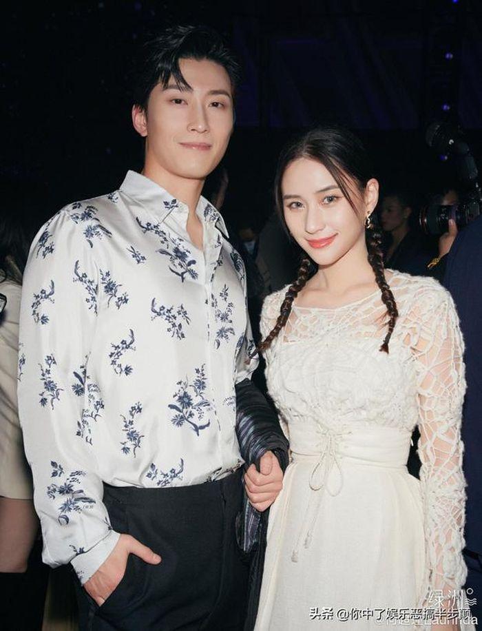 Ái nữ đẹp nhất của vua sòng bài Macau gây sốt vì mặc đồ bơi, lướt sóng điệu nghệ Ảnh 5