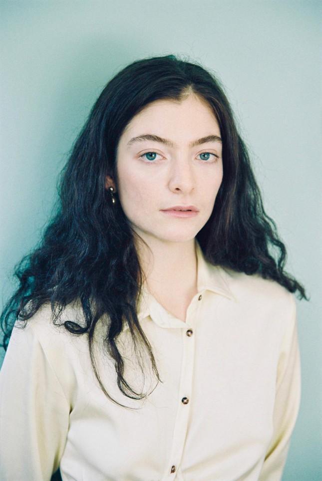 Đen đủi như Lorde: Chuẩn bị album mới trong 4 năm, 'đốt' vội trong 1 giờ vì bị rò rỉ