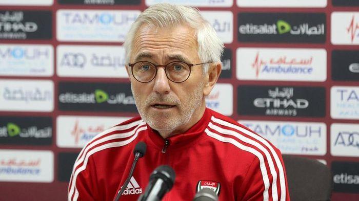 HLV UAE ra tối hậu thư cho học trò trước trận gặp Indonesia