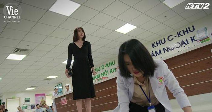 Hậu trường 'Cây Táo Nở Hoa': Thúy Ngân bị Kim Nhã tát 20 lần trong phân cảnh đánh ghen