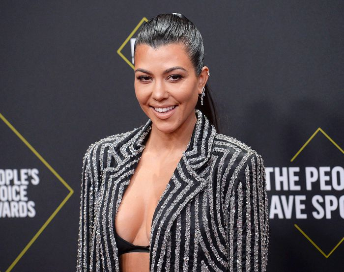 Chế độ ăn kiêng của Kourtney Kardashian để có thân hình quyến rũ
