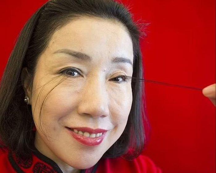 Người phụ nữ có hàng mi dài nhất thế giới 20,5 cm: 'Món quà Trời ban sau một năm rưỡi lên núi tu hành'