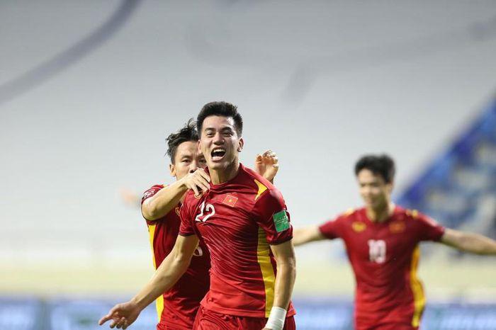 Mất quyền chỉ đạo, ông Park vẫn không muốn đá hòa với UAE