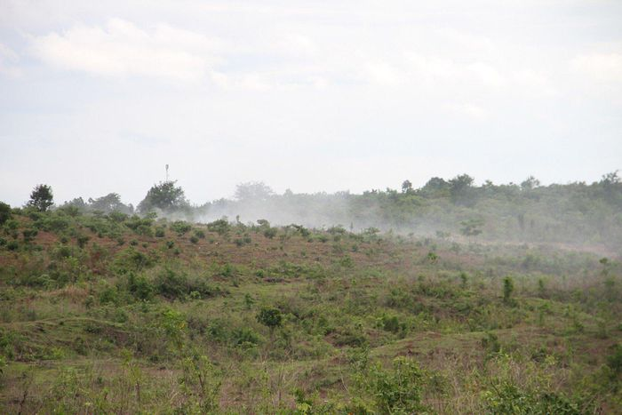 Dân khốn khổ vì bãi rác gần trung tâm huyện liên tục cháy, gây ô nhiễm