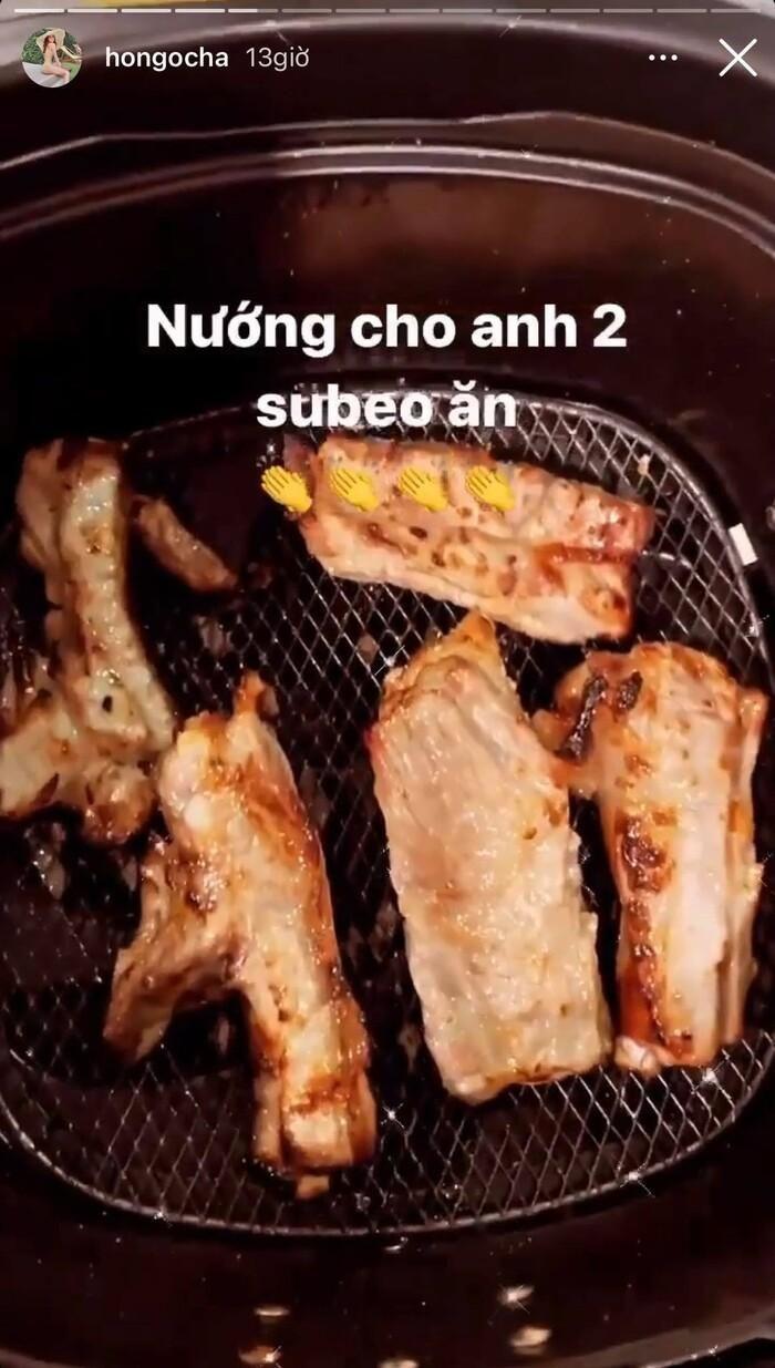 Hồ Ngọc Hà đúng chuẩn bà mẹ đảm đang, nấu toàn món ngon phục vụ cả gia đình