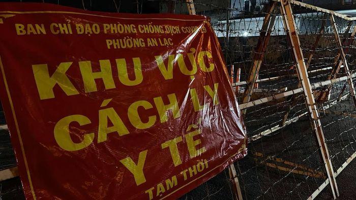 Hình ảnh phong tỏa 3 khu phố với gần 56.000 người ở TPHCM