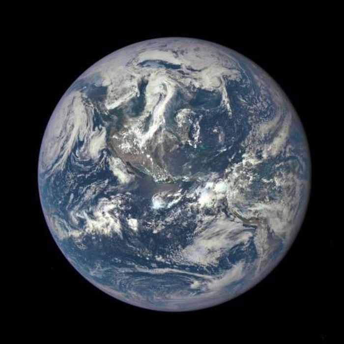84 triệu năm trước Trái Đất nghiêng ngả rồi quay thẳng lại