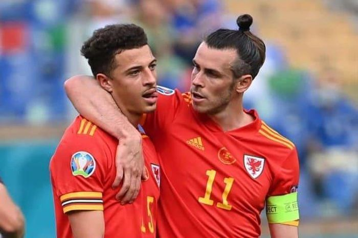 Hậu vệ xứ Wales lập cột mốc đáng quên tại EURO