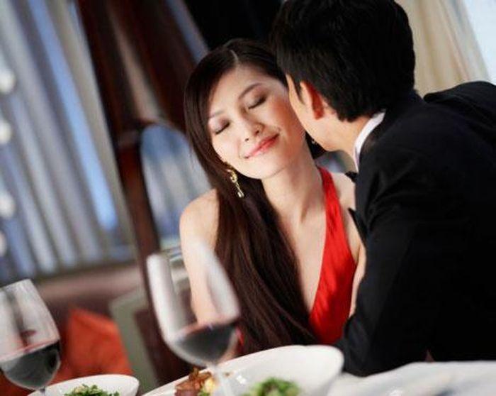 Tâm sự đẫm nước mắt của gái xinh tình nguyện làm 'vợ hờ' để đổi đời giàu sang