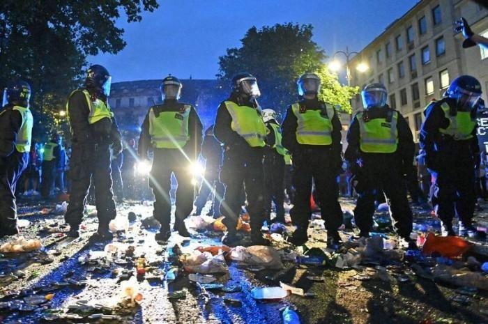CĐV tấn công làm 19 cảnh sát bị thương sau trận thua của đội tuyển Anh-đánh bài online tiến lên-casino game bài đổi thưởng-TB88