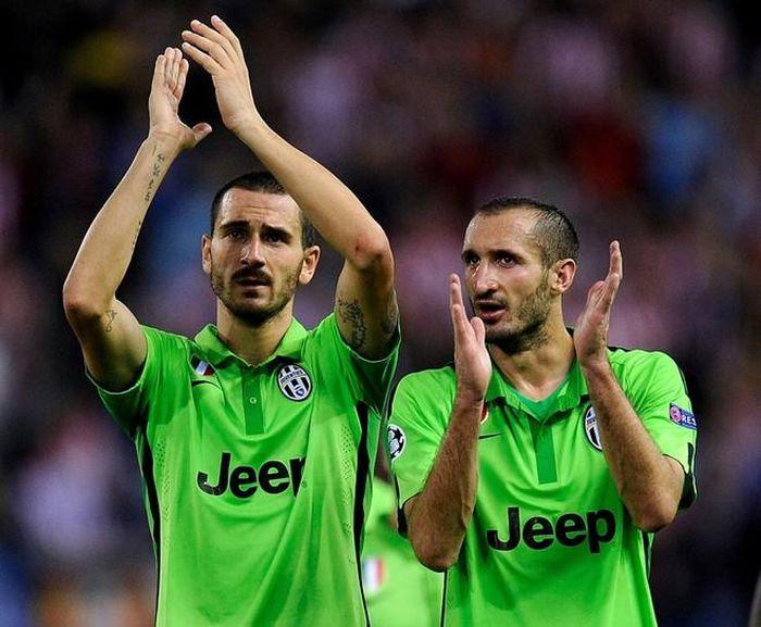 Serie A bất ngờ cấm các CLB mặc áo xanh lá cây