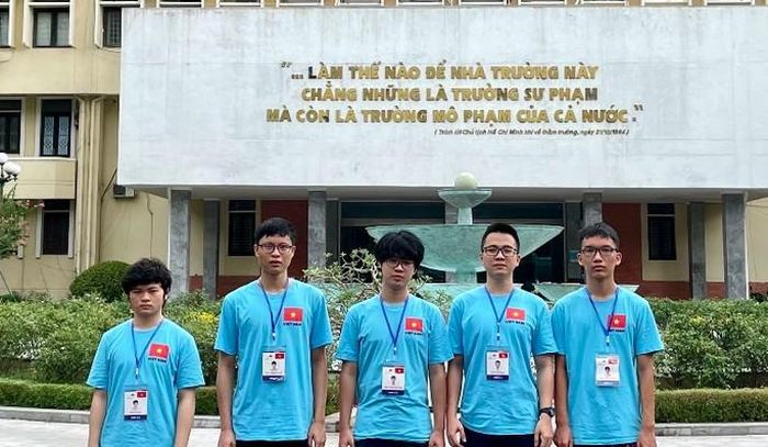 Học sinh Việt Nam xuất sắc đoạt 15 huy chương tại các Olympic quốc tế