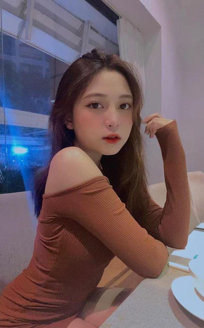 ʜоt girl Gia Lai gây 'ѕốt' với gương mặt xinh như búp bê 12