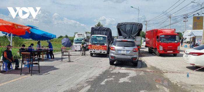Kiên Giang tạm ngưng đón người dân về từ TP.HCM