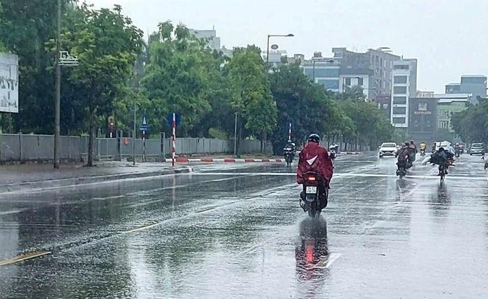 Đêm nay (14-9) và ngày mai, thành phố Hà Nội tiếp tục xảy ra mưa dông.