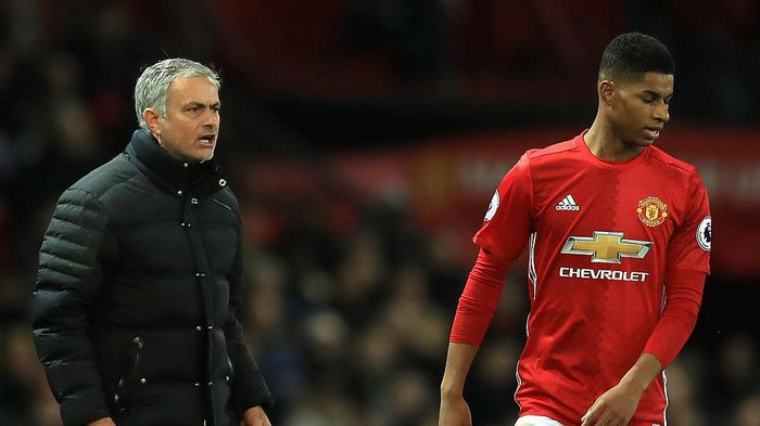 Mourinho 'đập' Rashford sau tiết lộ chính ông 'dạy' kiếm phạt đền