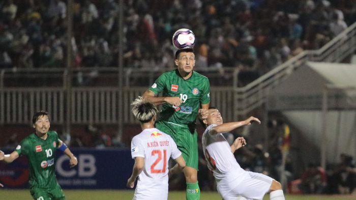 Đỗ Merlo ghi bàn, Sài Gòn FC 'gieo sầu' cho HAGL ở vòng 1 V-League 2021