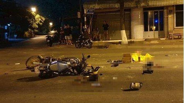 Xe máy vượt đèn đỏ gây tai nạn làm 5 người thương vong ở TP.HCM