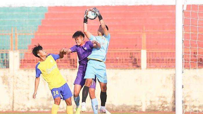 Vòng loại bảng D, giải bóng đá U19 quốc gia: Thế trận giằng co