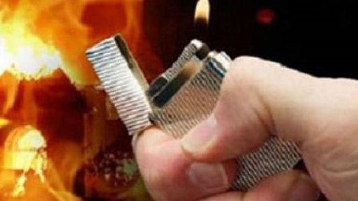 Giận vợ cũ không chia tài sản, chặn đường tưới xăng tính đốt