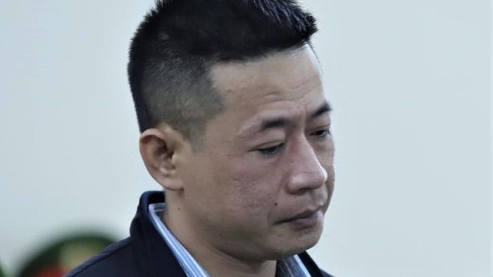 Kẻ truy sát gia đình vợ cũ bật khóc tại tòa