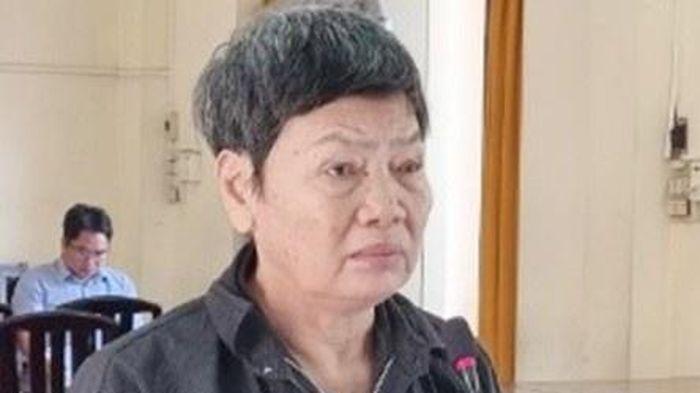 Chém con trai bị tâm thần, mẹ lĩnh 4 năm tù