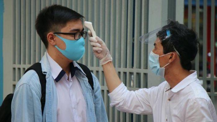TP Hồ Chí Minh siết chặt phòng, chống dịch khi học sinh đi học trở lại