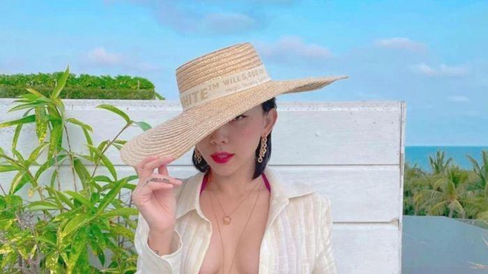 Tóc Tiên khoe body đồng hồ cát nóng bỏng mắt
