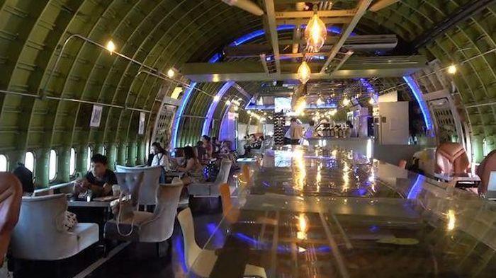 Máy bay Boeing 747 được biến thành quán cà phê ở Thái Lan