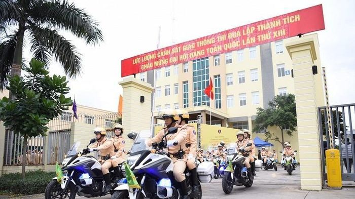 Cảnh sát giao thông toàn quốc mở cao điểm dịp lễ 30-4,1-5