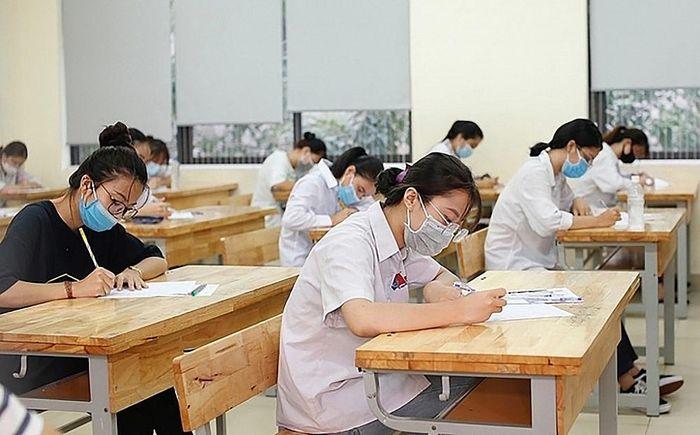 Năm 2021, tổ chức hai đợt thi tốt nghiệp trung học phổ thông